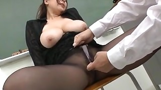 upskirt uncensored skirt schoolgirl sakura classroom boobs big-tits ass