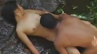 filipina kiss outdoor public